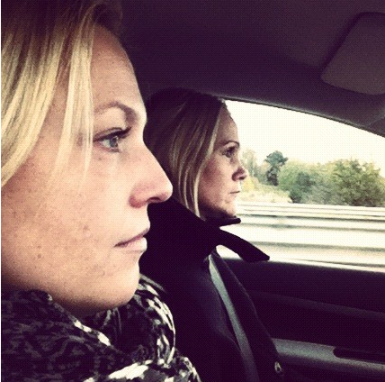 Sofia och Helen on the road