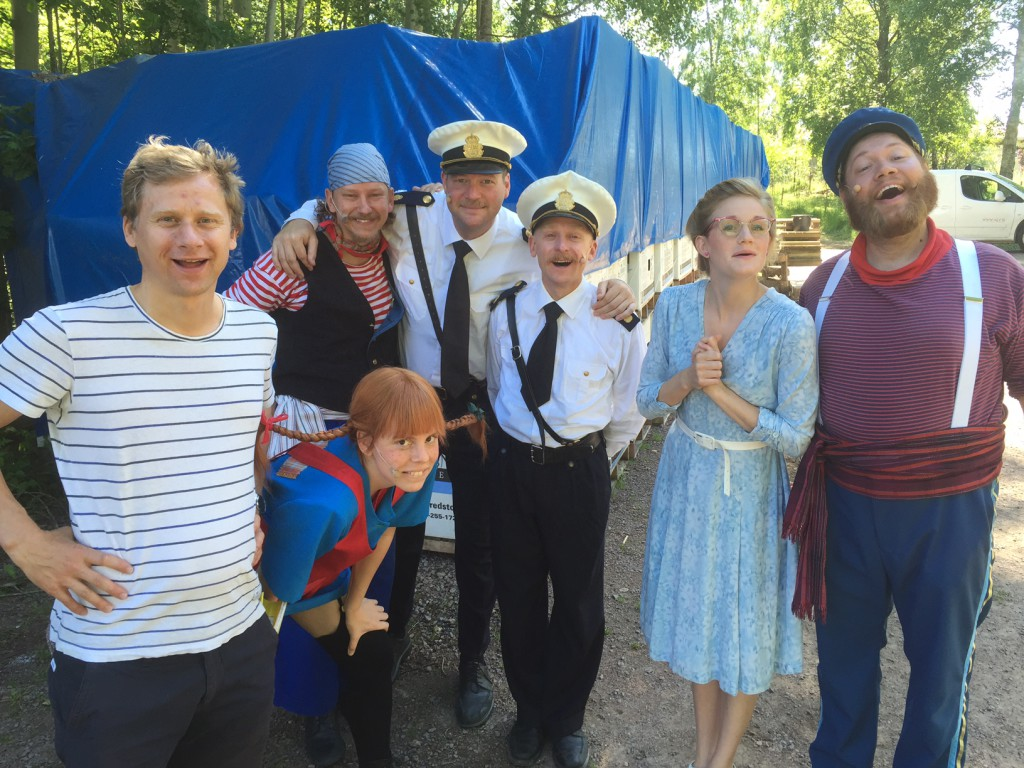Calle med sina skådespelare